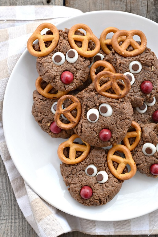 Chocolate-Peanut-Butter-Reindeer-Cookies-for-Christmas-683x1024