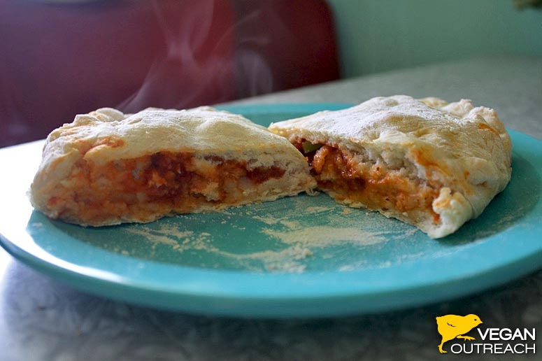 Masa de pizza casera y calzone