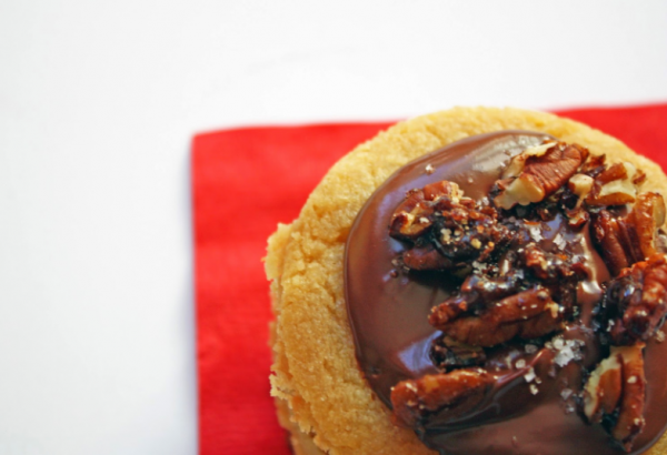 salty sweet toffee cookies with dark chocolate and candied pecans